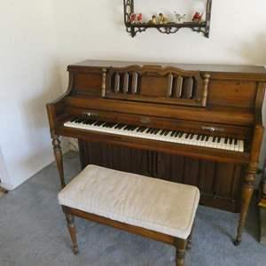 Lot # 15- Vintage WurliTzer Piano