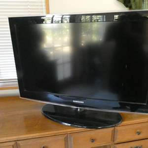 Lot # 33- Samsung flat screen TV- with remote