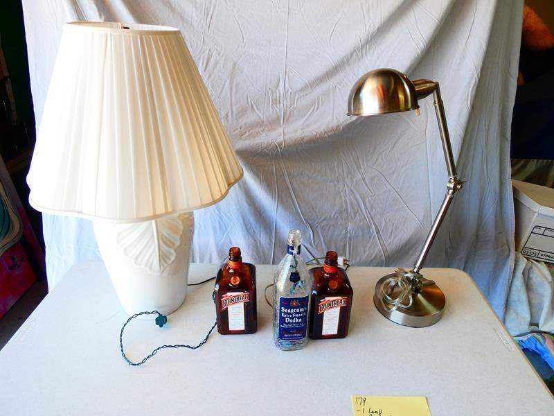 Lot # 179-2 Lamps, 3 Bottle lights (main image)