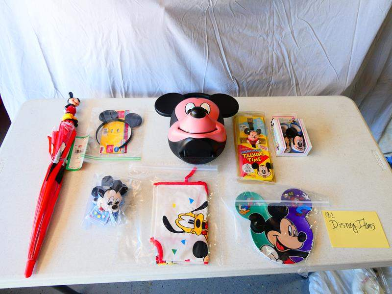 Lot # 182-Disney collectors lot (main image)