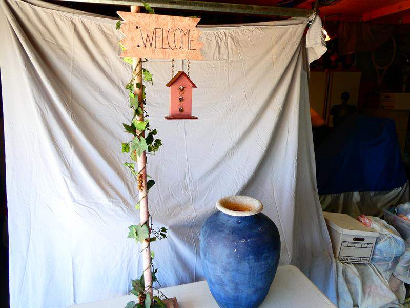Lot # 183-Welcome sign and decorative pot/vase (main image)