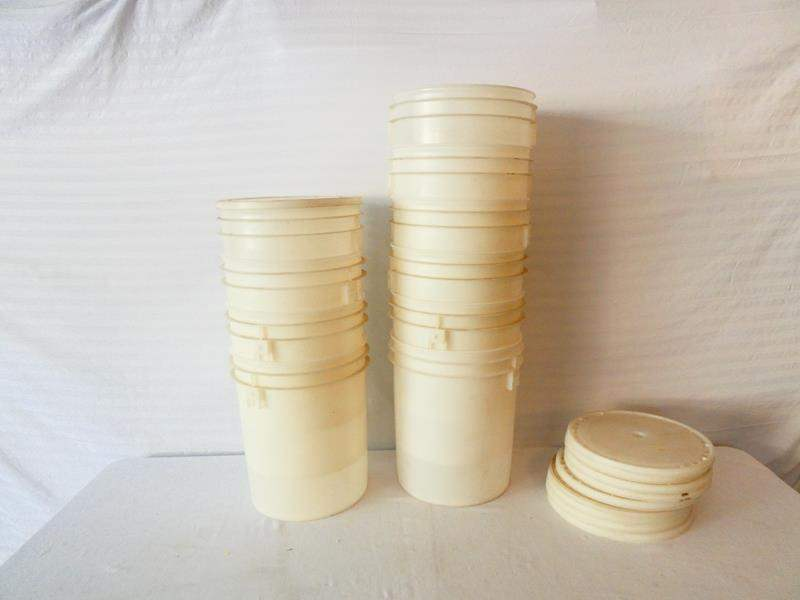 Lot # 46-10 Food grade round white plastic storage buckets with lids- see pics for sizes (main image)