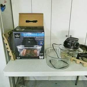 Lot # 217- Sharper Image Super wave oven, 1300 Watt, 16qt.