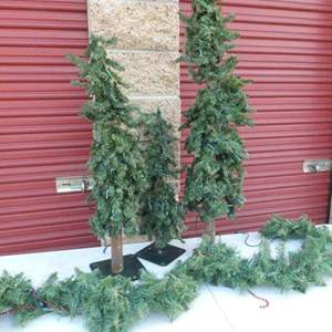 Lot # 271-Rustic Decor Xmas Trees(3) & Large Garland w/ornaments