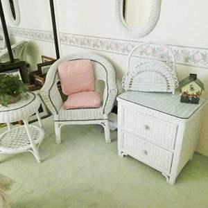 Lot # 33-WICKER furniture!