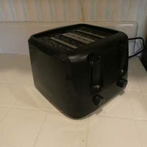 Lot # 29-Mainstays Toaster