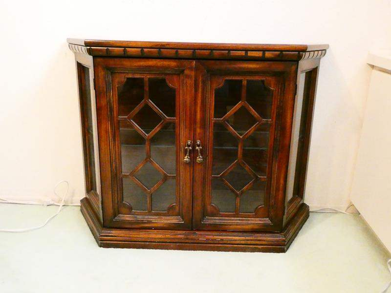 Lot # 220-Curio Cabinet with glass door and shelf- Great condition (main image)