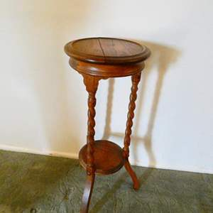 Lot # 203-Vintage round accent table