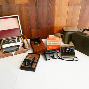 Lot # 211-Vintage polaroid cameras and view master