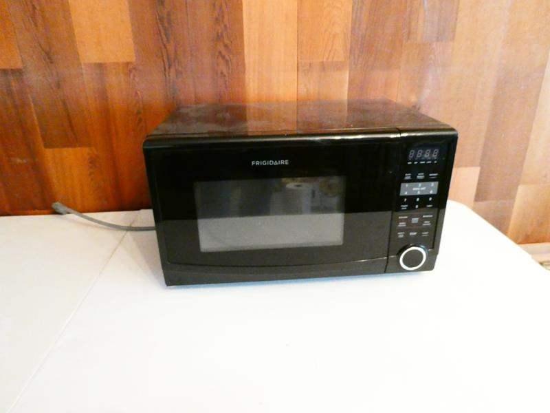 Lot # 212- Frigidaire microwave (main image)