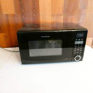 Lot # 212- Frigidaire microwave- working