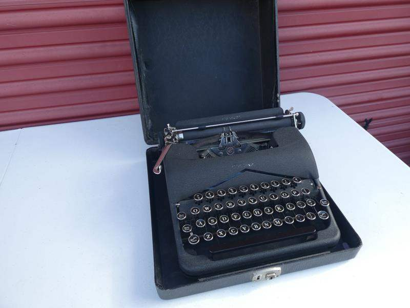 """Lot # 25-Vintage Type writer """"Wight's business machines (main image)"""