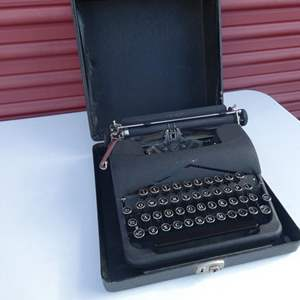 """Lot # 25-Vintage Type writer """"Wight's business machines"""