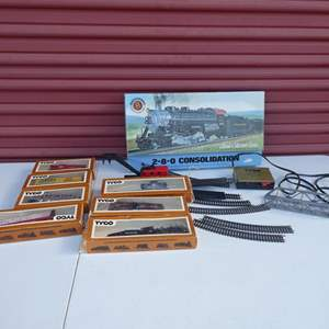 Lot # 28- Vintage collectors Tyco Hobby train and Bachmann train with tracks