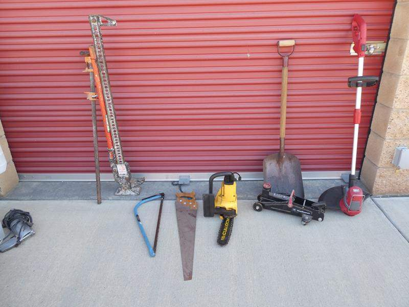 """Lot # 31-Craftsman grass whip (electric), Shovel, saws, jacks, McCalloch electric chain saw 10"""" (main image)"""