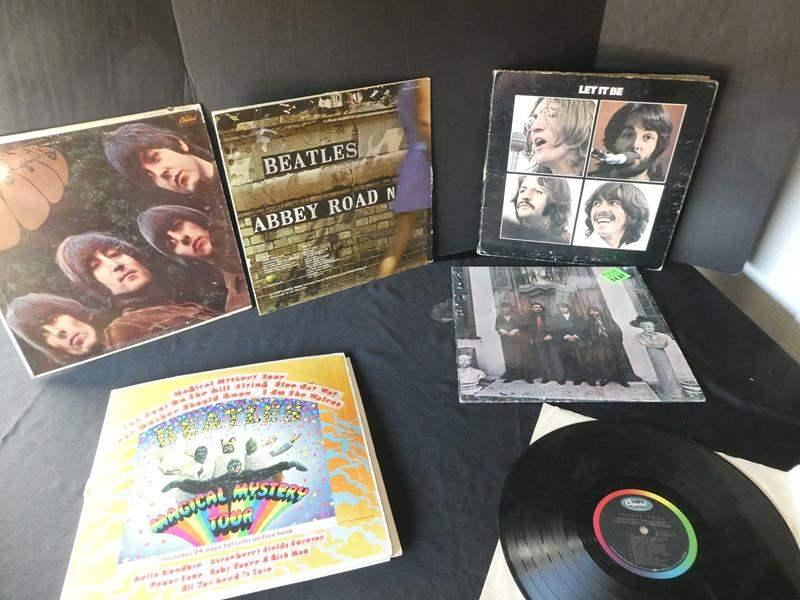 Lot # 46- Six collectors Beatles vinyl albums (main image)