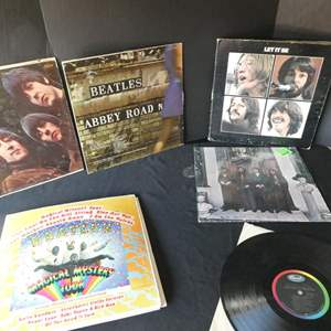 Lot # 46- Six collectors Beatles vinyl albums