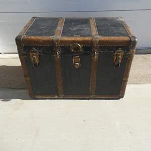 "Auction Thumbnail for: Lot # 109-Antique/Vintage ""Everlast"" steamer chest/trunk"