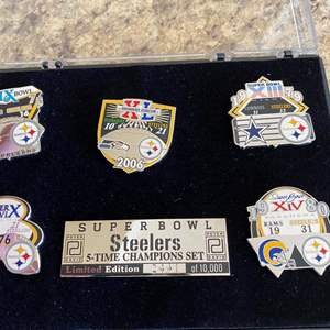 Lot # 114 - Steelers Collectable Pins