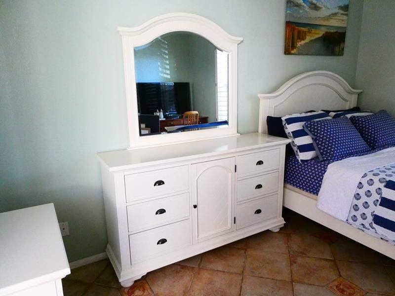 Lot #2- White vanity dresser and mirror (main image)
