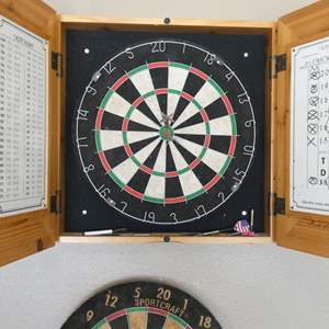 Lot # 112 - Rush Creek Dartboard with Wooden Case plus extra dart board