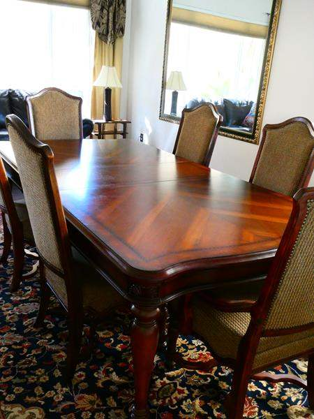 Lot #18- Formal dining room table with 6 chairs- great condition (main image)