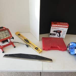 Lot # 124 - Miscellaneous garage tools- Warrior dual temperature heat gun