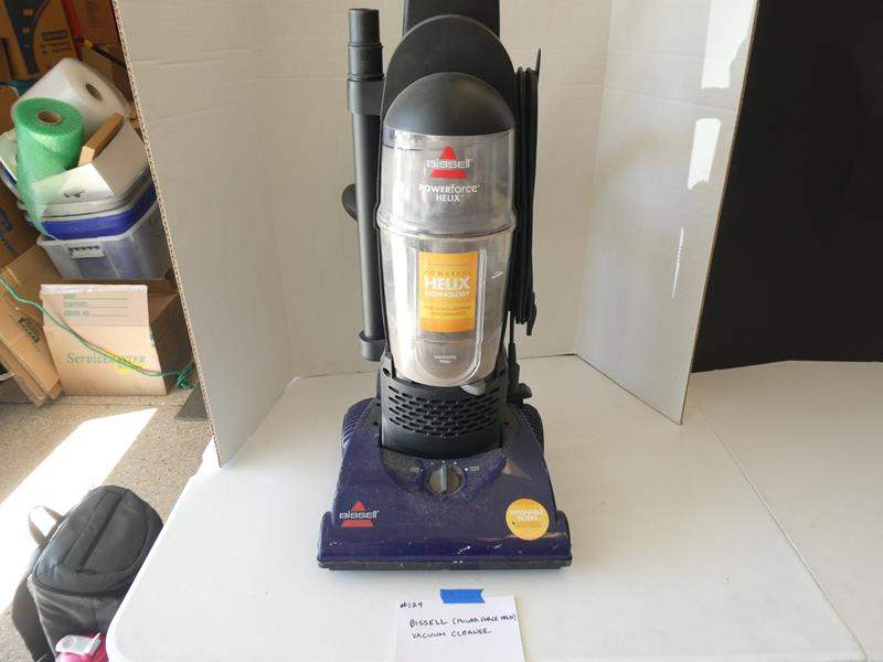 Lot # 129 -Bissell (Power force Helix) Vacuum cleaner (main image)