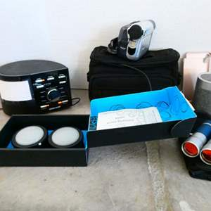 Lot #29 -Assorted electronics, Amazon buttons, some new!