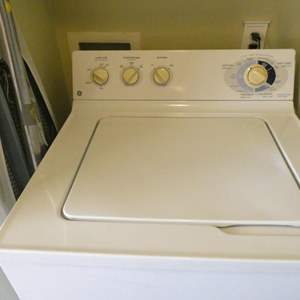 Lot # 153- GE washer
