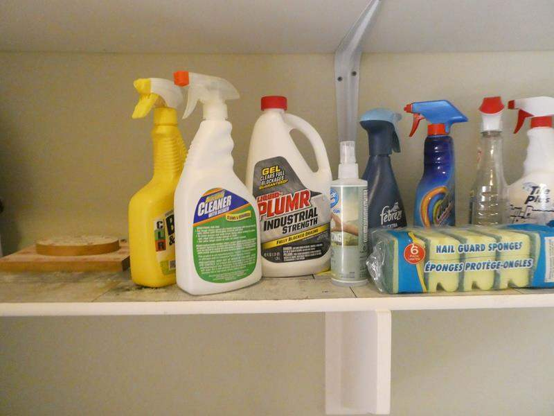 Lot # 155- Assorted cleaning supplies (main image)
