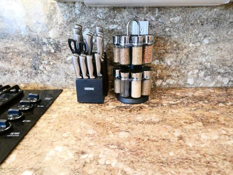 Lot # 45 -Beautiful Spice Rack & Faberware Kinfe set (missing 2) (main image)
