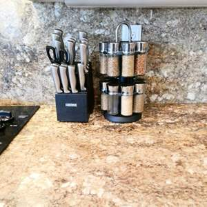 Lot # 45 -Beautiful Spice Rack & Faberware Kinfe set (missing 2)