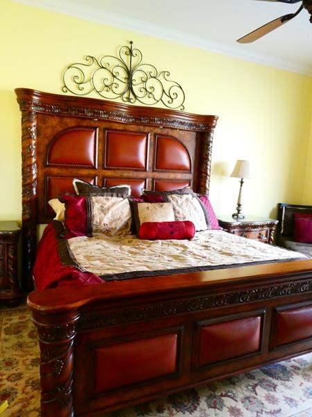 Lot # 51 -Beautiful King Size bed set! Bedding included! (main image)