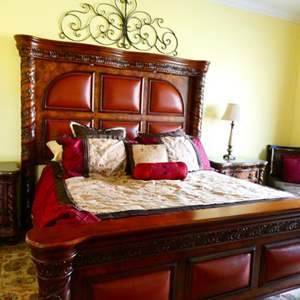 Lot # 51 -Beautiful King Size bed set! Bedding included!