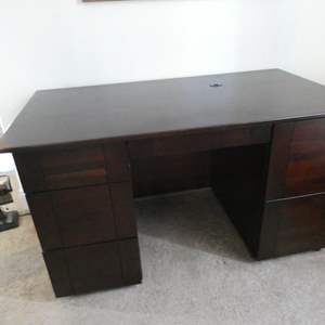 Lot # 167 - Beautiful solid cherry wood office desk with chair- see all pictures