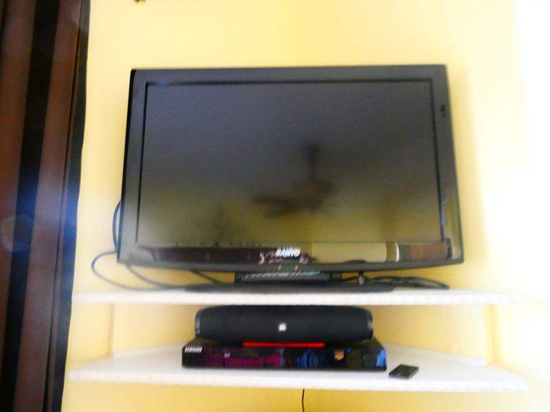 Lot # 57 -32 inch Sanyo TV with UBL speaker, & Samsung DVD player, tested (main image)