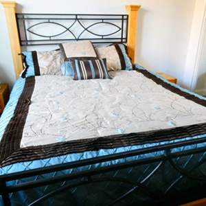 Lot # 63 -Queen bed set, everything included!