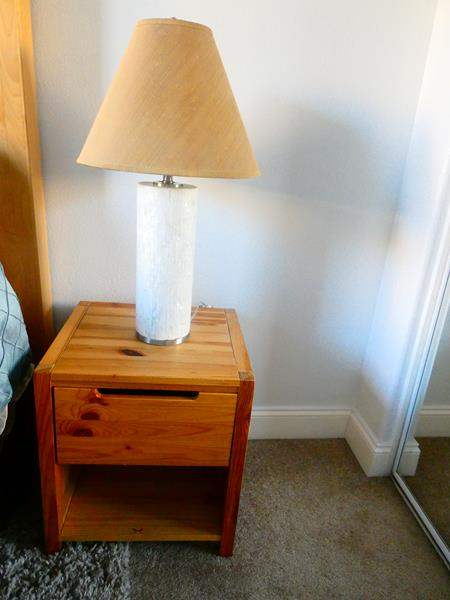 Lot # 64 - Set of 2 night stands, 1 lamp, and wall decor (main image)