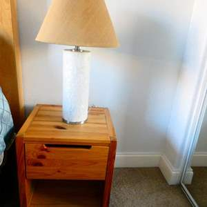 Lot # 64 - Set of 2 night stands, 1 lamp, and wall decor