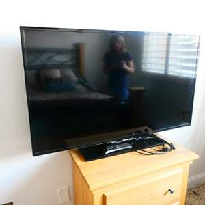 Lot # 65 -48 inch Samsung TV!