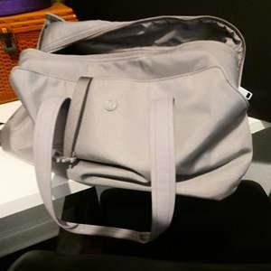 Lot # 73 - Lululemon Duffle Bag * Almost New!