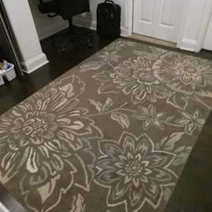 """Lot # 183 - Grey and white area rug- 93"""" by 63"""""""