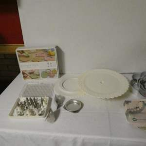 Auction Thumbnail for: Lot # 186 - Cake decorating supplies- Look at pictures- More than 20 decorating tips