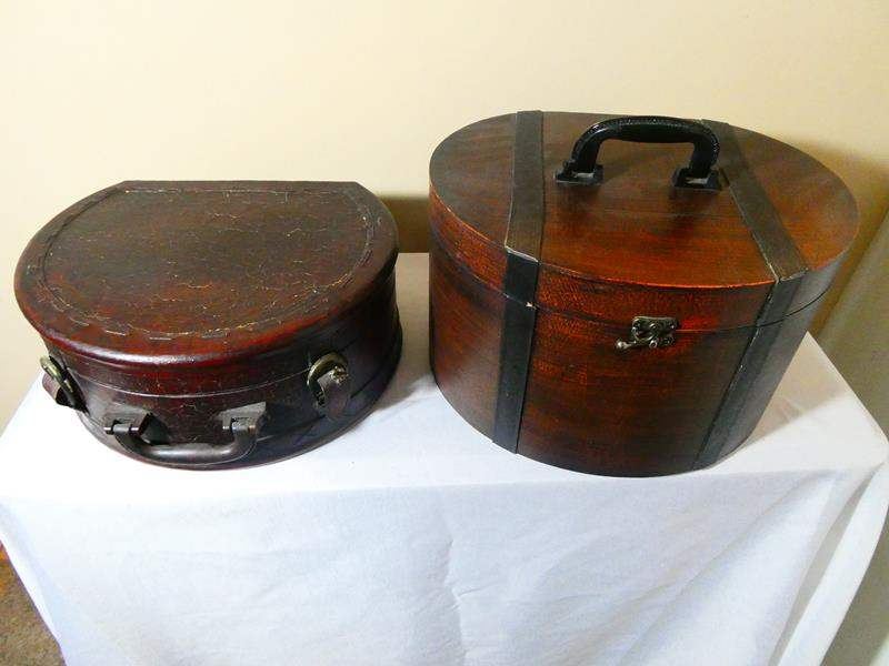 Lot # 10- Vintage suitcases (main image)