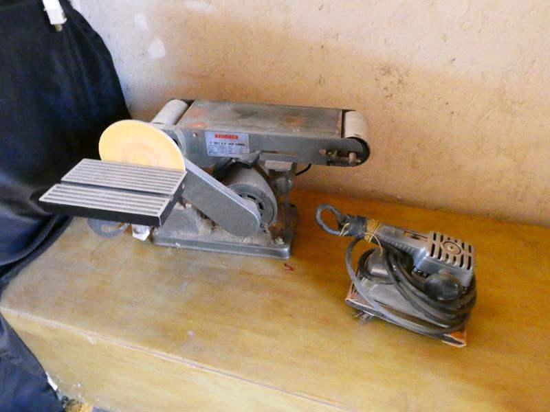 """Lot # 160- Vulcan 4"""" belt and 6"""" sander, craftsman sander (main image)"""