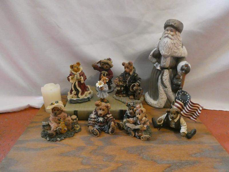 Lot # 55- Boyds Bears & Friends collection + extras (main image)