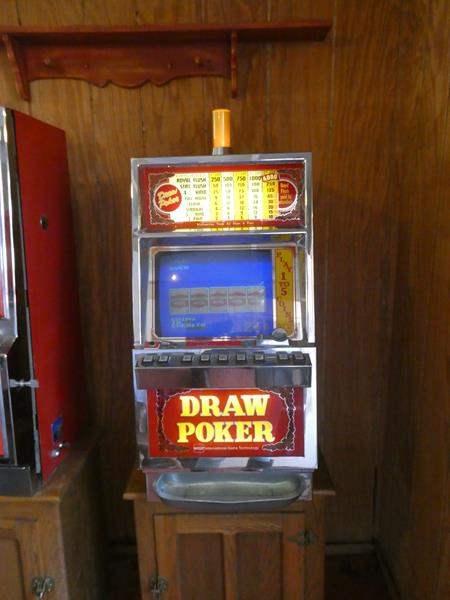 Lot # 74- Draw poker slot machine- works great! (main image)