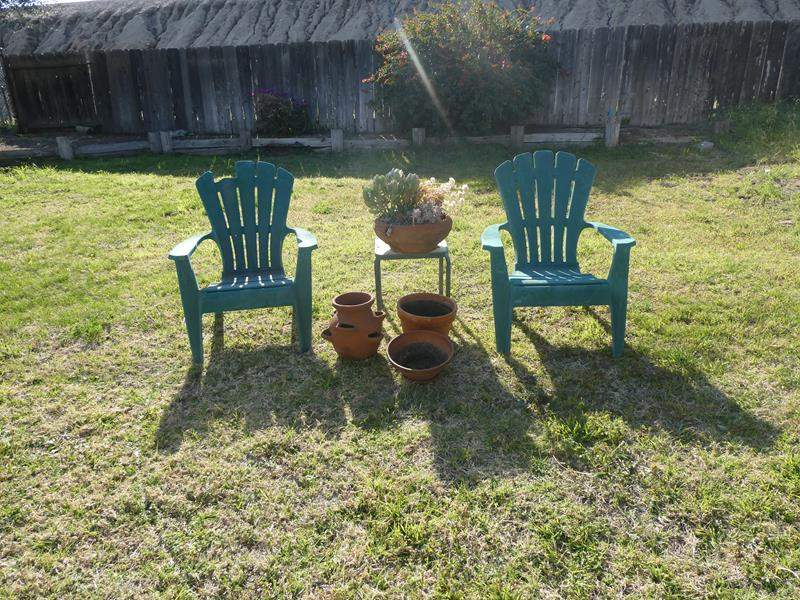 Lot # 89- Patio package deal! (main image)