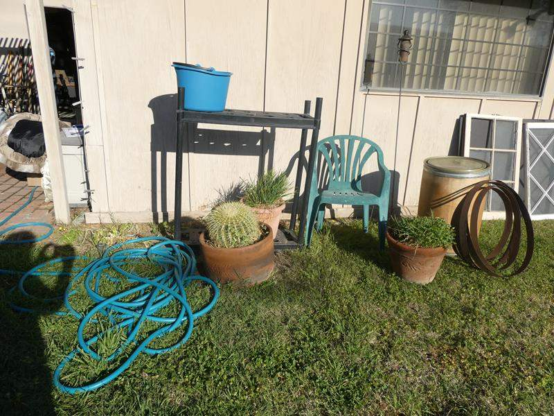 Lot # 94- Assorted outdoor items (main image)